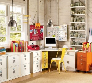 white-drawers-wooden-floor-wooden-wall-one-unit-of-computer-915x823
