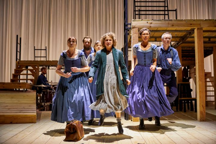NT Jane Eyre Tour 2017 ensemble. Photo by BrinkhoffMögenburg (7).JPG
